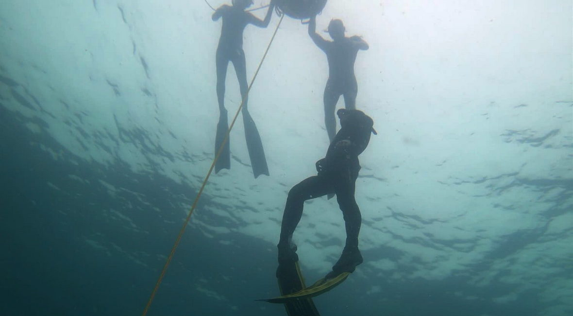 freediving wirh friend